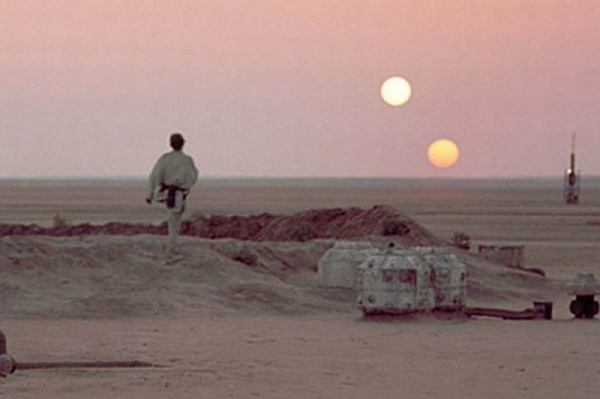 luke-skywalker-on-tatooine